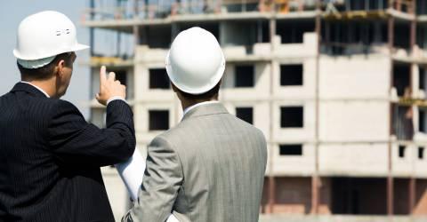 Aannemers op de bouwplaats